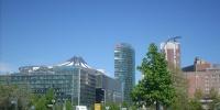 Pohled na Sony centrum.jpg